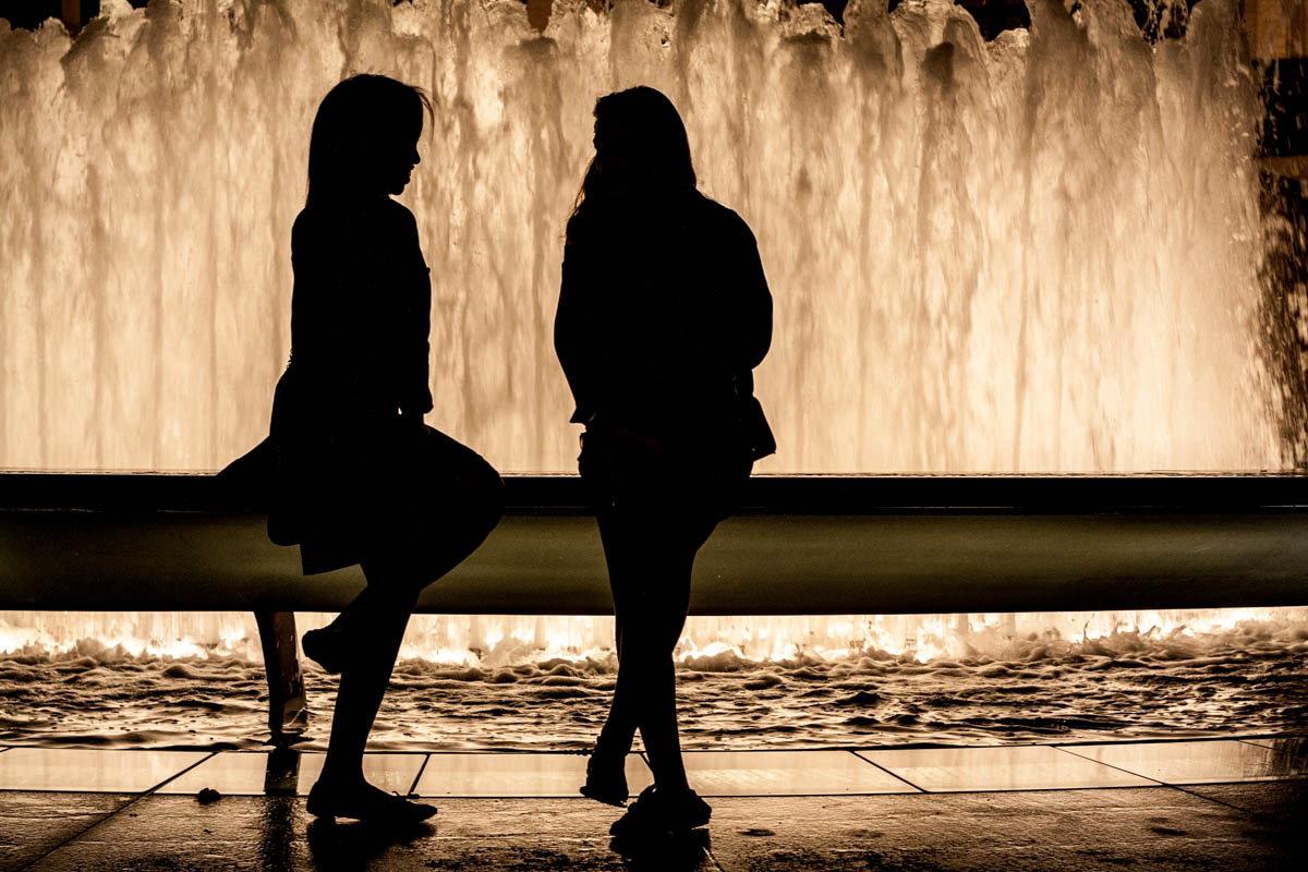Girls at the Pond – New York 2010, available in open Edition